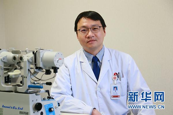 """北大眼科专家:假期是孩子视力滑坡的""""危险期"""""""