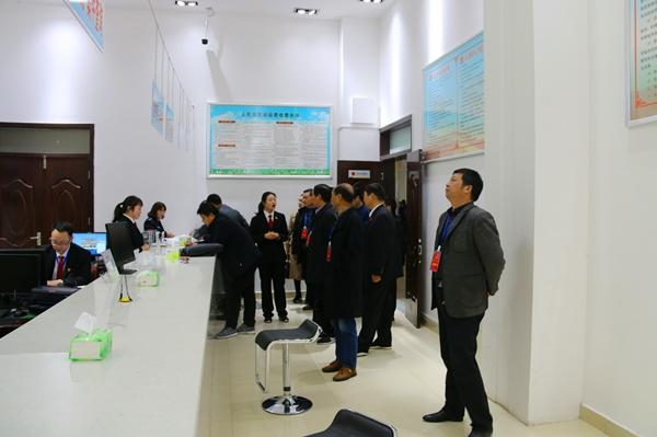 南召县人大常委会到南召县法院视察指导工作并听取执行工作汇报