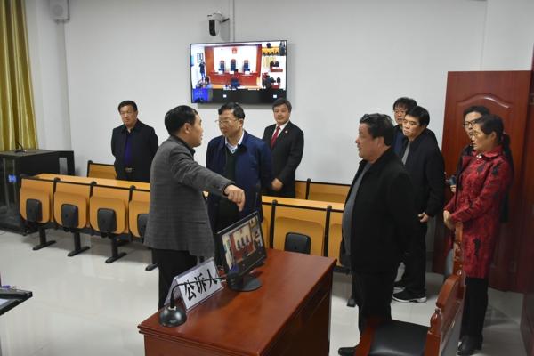 省市县人大代表视察指导唐河法院工作