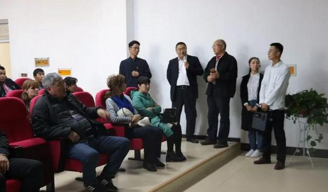 商丘市企业家协会会长张金洲带领吉尔吉斯斯坦考察团到贵友参观