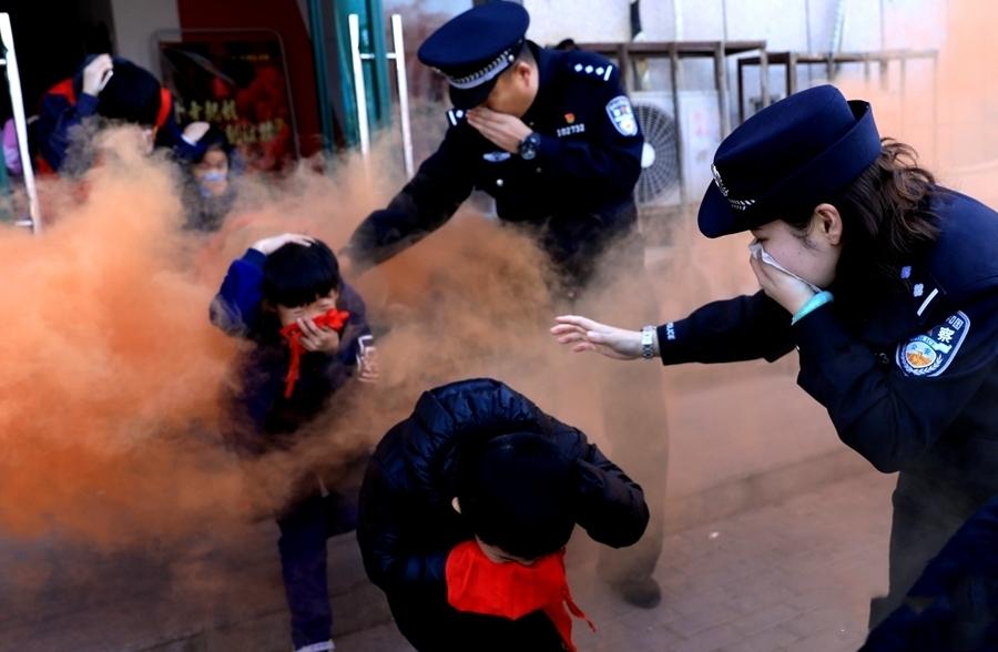 郑州警方:应急消防进社区