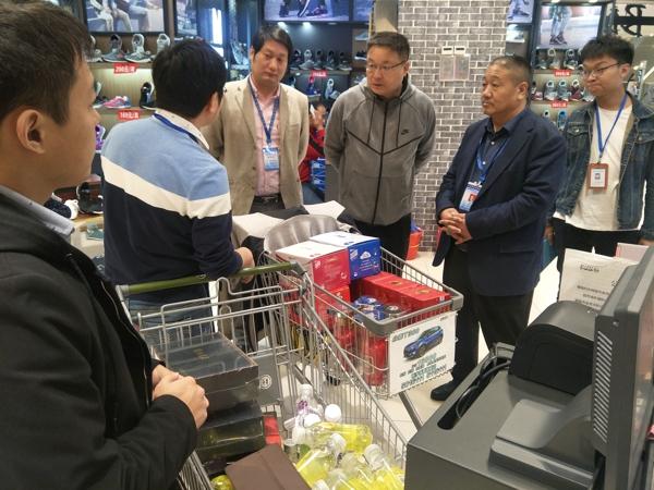 河南省食品安全协会随同河南省口岸食品检测所进行实地抽检