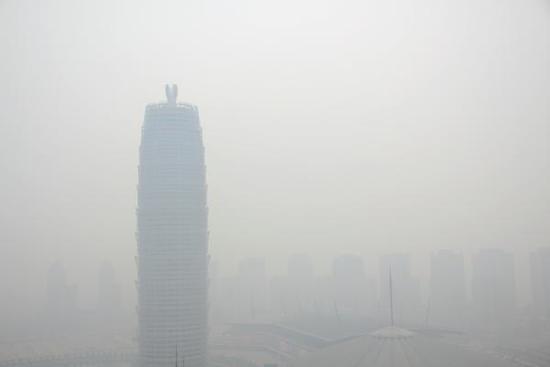 重污染天气应急管控 郑州12个工地5家企业存在问题