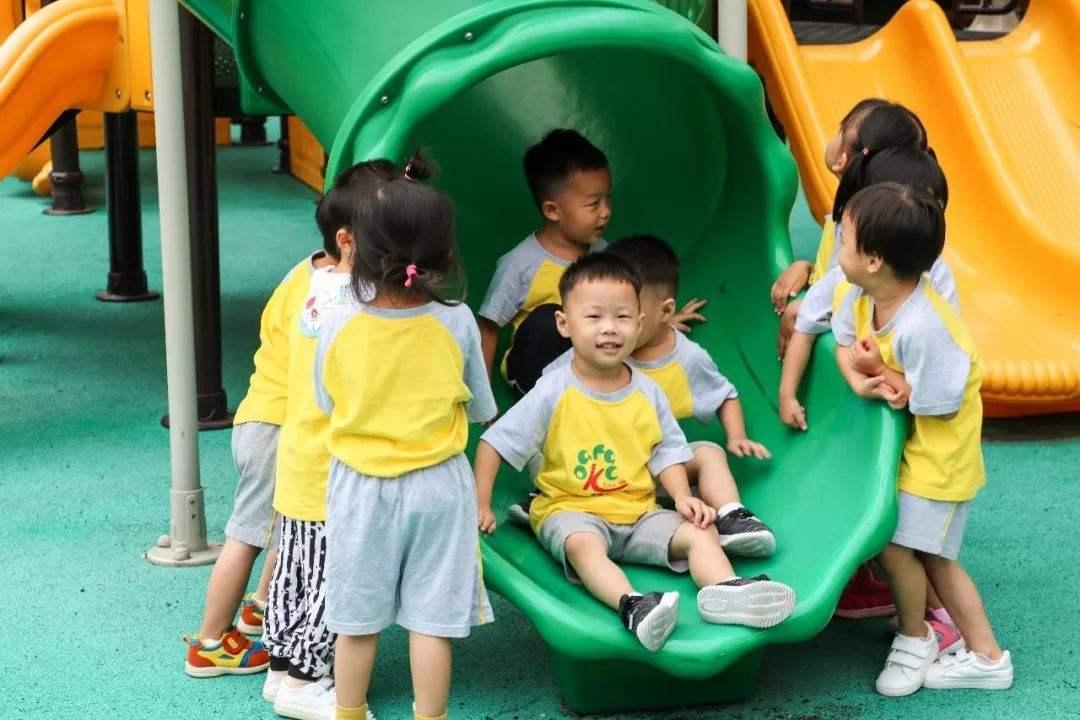 教育部:要提高公办幼儿园及普惠性民办幼儿园比例