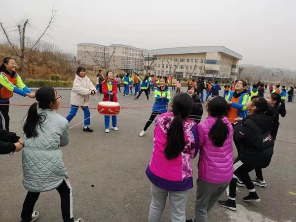 磨炼意志 在快乐中学习 优胜路小学六年级学生开展社会实践活动