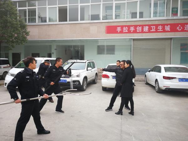 西平县移动公司开展反暴恐演练