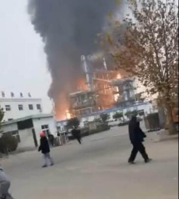 又一起爆燃!河南范县盛华德化工厂爆燃事故致6伤,现场火光冲天!