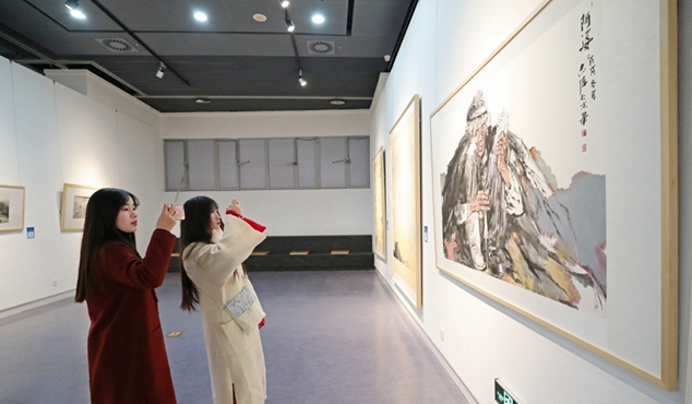 """""""山东青年美术作品全国巡展""""在郑州亮相"""