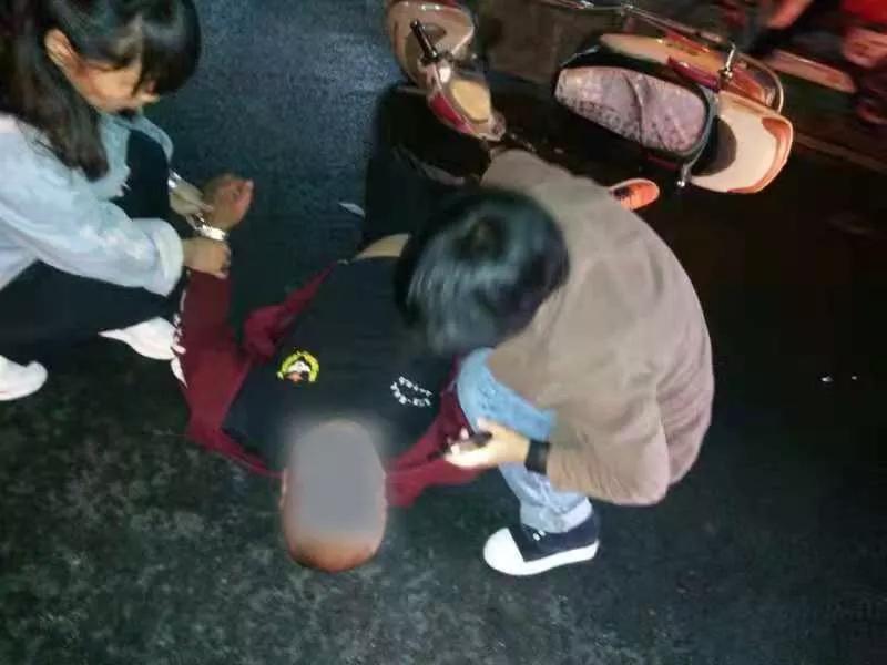 再展漯河城市温度!高铁上幼儿胳膊脱臼同车医生伸援手
