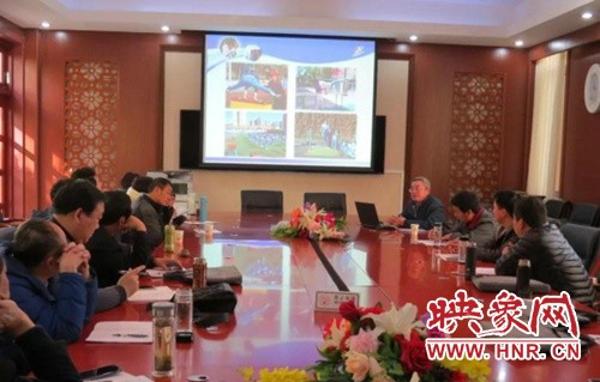 邓州市湍河中心校领略名校风采学习育人特色