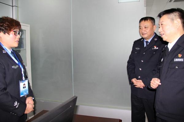 【平安守护】副市长、市公安局党委书记、局长戚绍斌深入新野县局调研指导工作