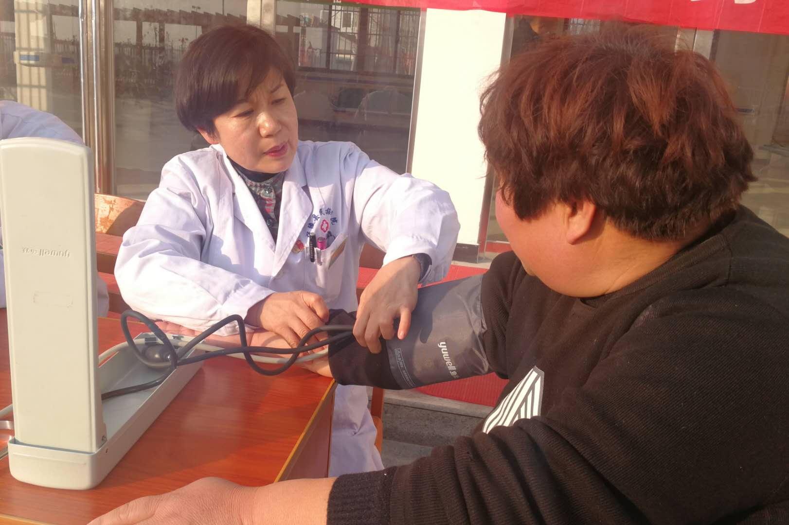 宁陵县民族医院开展亮争活动敬老院义诊献爱心