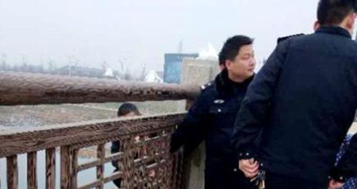 西平县:民警巡逻中挽救轻生男子