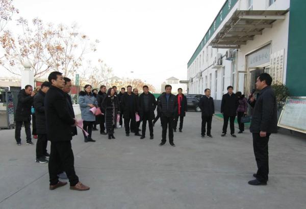南阳市人大代表观摩团莅临社旗调研产业扶贫工作