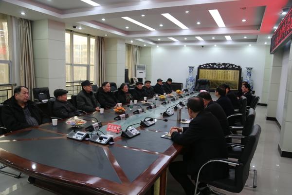 镇平县法院举行2019离退休老干部座谈会