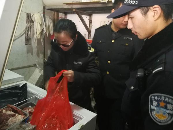 邓州孟楼派出所联合食药监督部门开展食品安全检查