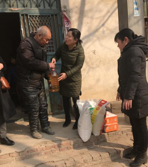 郑州市兴达路街道:走访慰问贫困户 贴心帮扶暖人心