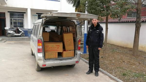 邓州九龙派出所:男子非法运输烟花爆竹被拘留