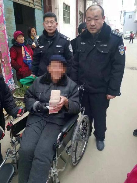 一女子偷取父亲8万元不养老  邓州民警成功调解赢喝彩