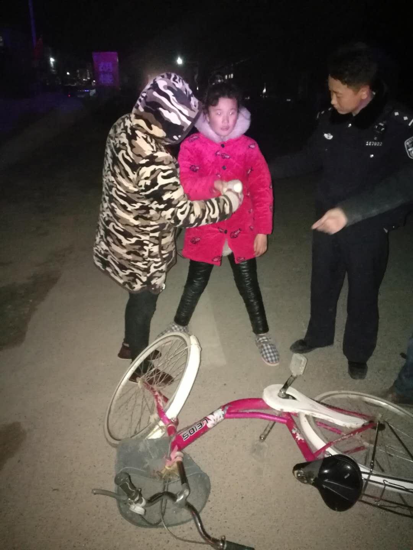 夜助智障女,温情暖寒冬——虞城县公安局沙集派出所救助一名智障女童