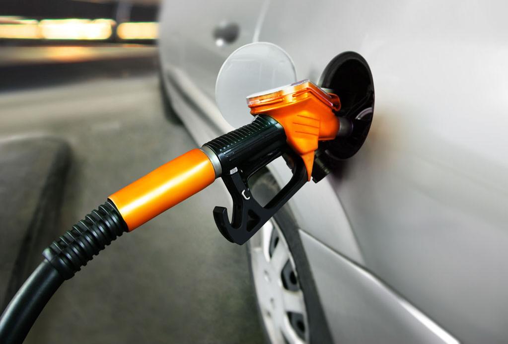 国内汽、柴油价上调 北京92号汽油每升上调0.19元