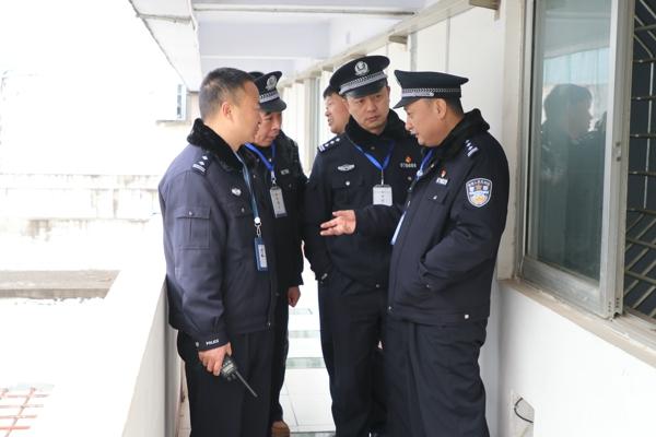 南召县政府党组成员、公安局党委书记、局长姜江到监所检查指导工作