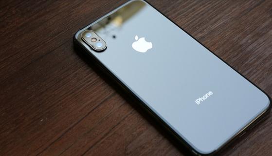 苹果在华业绩遇冷:iPhone节前降价将调整定价策略