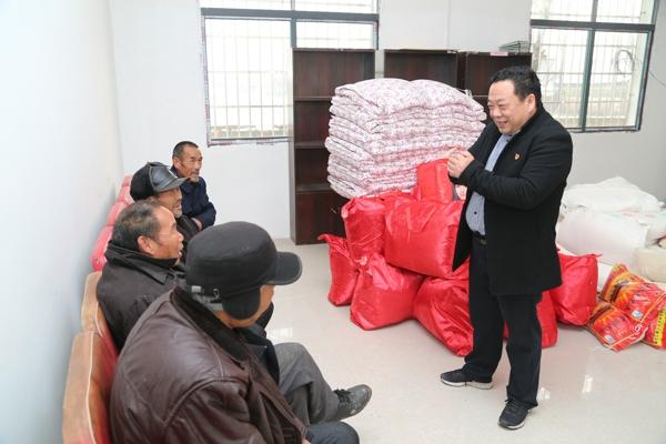 邓州法院:节前慰问贫困户 真情帮扶暖人心