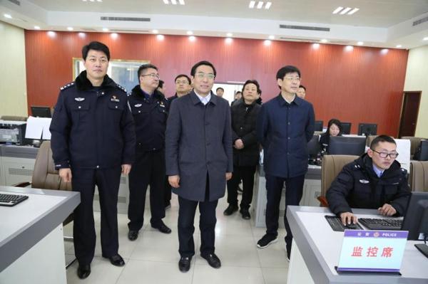 社旗县委书记余广东带领县四大家领导看望慰问公安民警