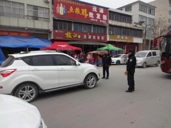 邓州孟楼派出所为春节期间道路畅通保驾护航