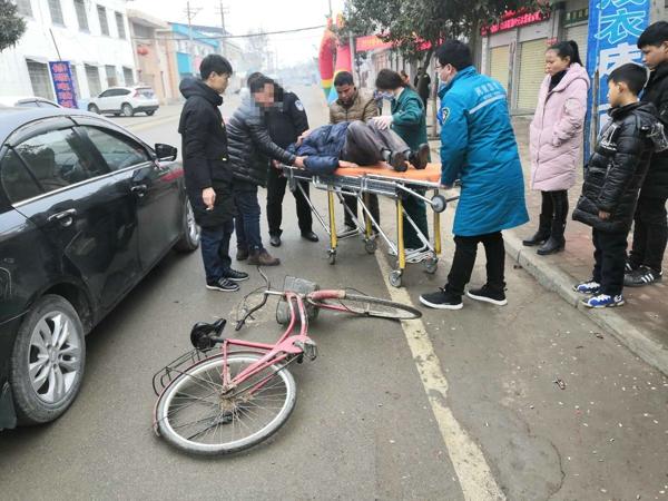 邓州小杨营派出所:春节期间坚守一线保畅通