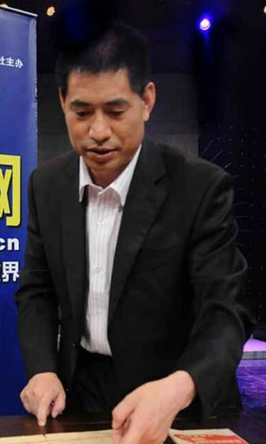 中国红色收藏第一人杨翔飞向郭仲隗纪念馆捐赠珍贵文献