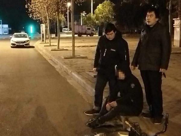 邓州:一男子连续盗窃电动车被民警抓现行