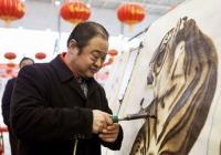 信阳:首届豫南民俗文化集市举行 22位残疾手艺人展风采
