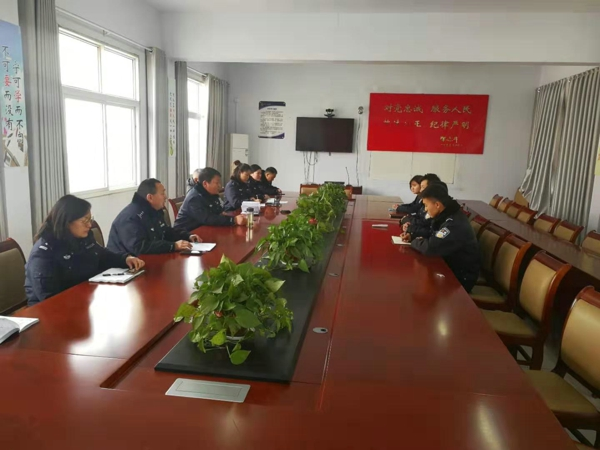 邓州:胜利派出所召开迎接河南警察学院实习生报到会