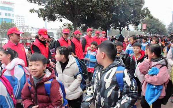 南阳市农信系统全面开展学雷锋志愿服务活动