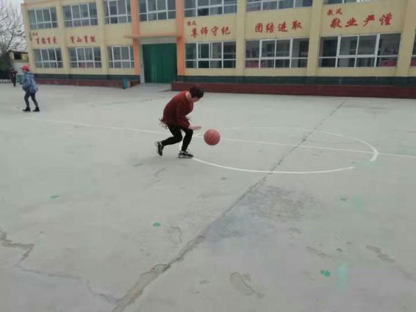 """龙湖镇王口小学庆""""三八妇女节""""---篮球魅力校园活动"""