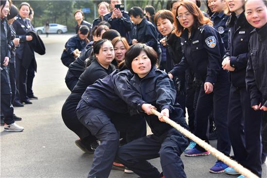 """邓州市公安局举办庆祝""""三八""""妇女节系列活动"""