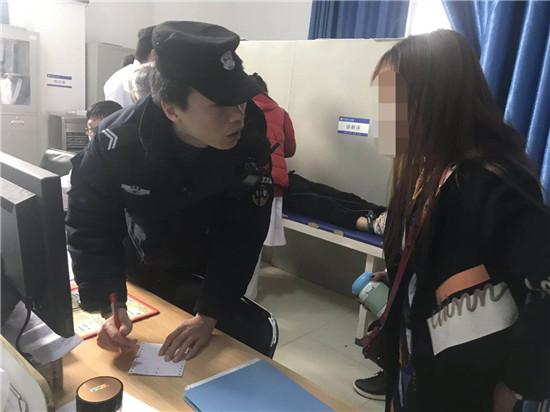 新野公安:巡逻途中遇病患  及时救助获称赞