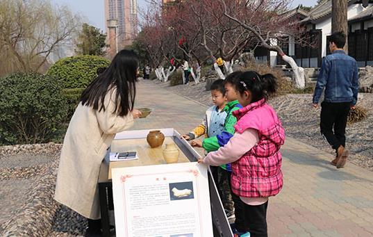 郑州民间博物馆进公园 市民在家门口就能与历史对话