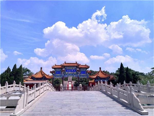中国翰园碑林免费讲解服务 一条与游客沟通的重要纽带