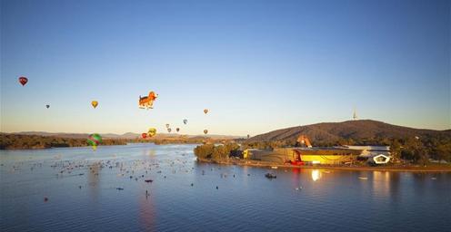 堪培拉举行热气球节 将持续到17日