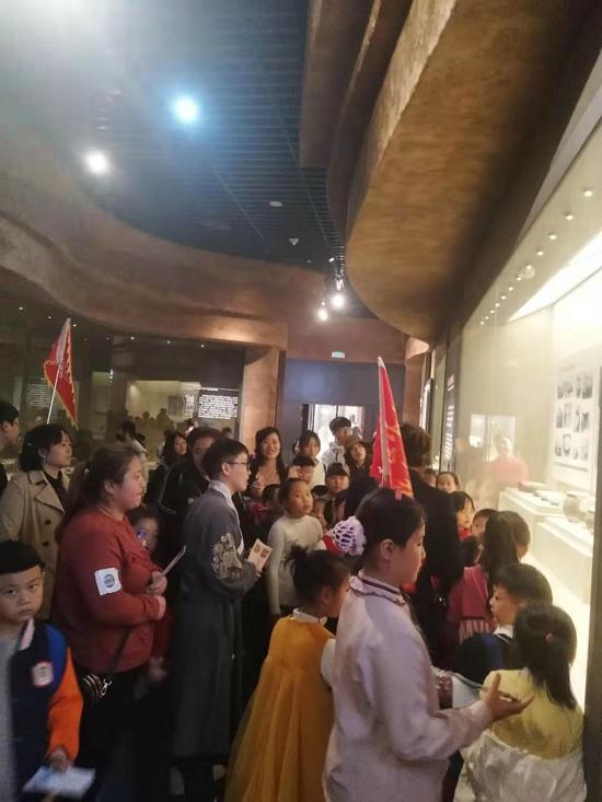 中华校园小记者参观开封博物馆感受传统文化