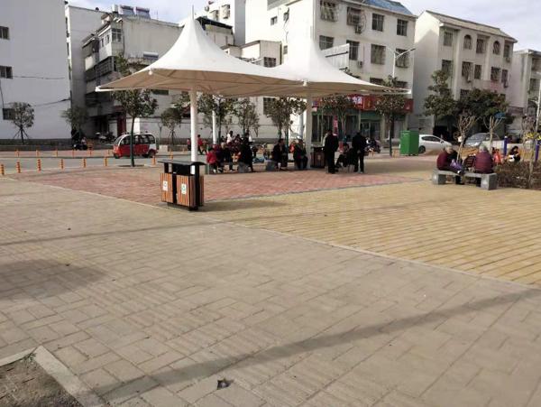 内乡县湍东镇: 修建游园增绿色,提升环境美乡村