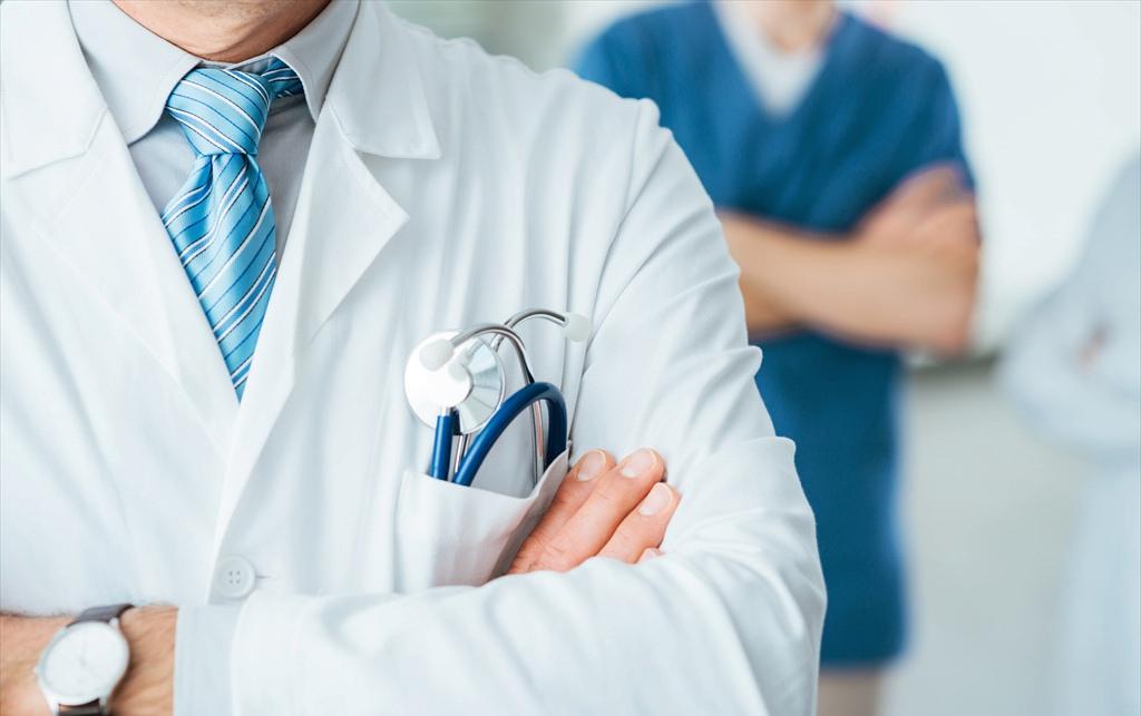 呼吁建立现代便捷化医疗服务体系