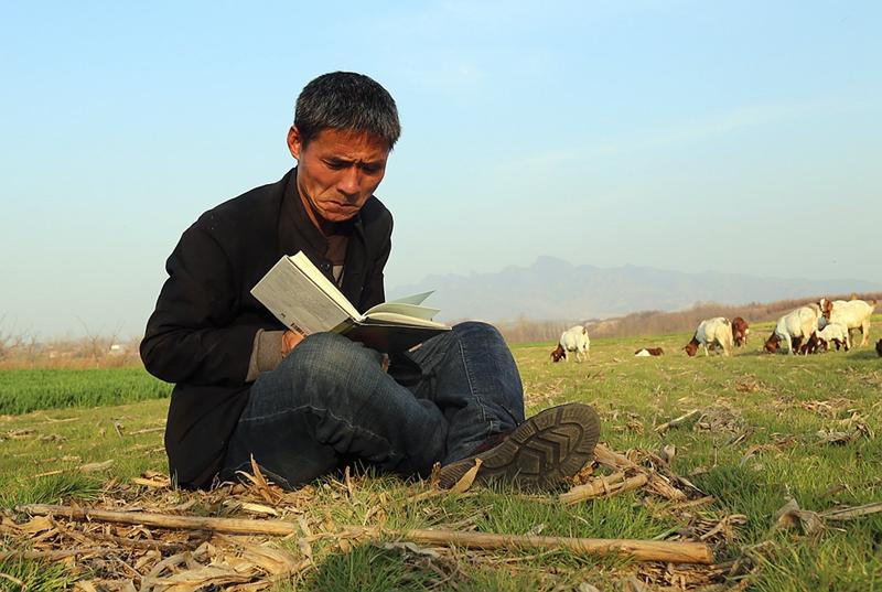 20年如一日!放羊、喝酒、写诗 山羊胡子终于登上《诗刊》高峰