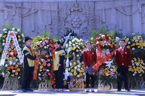 缅怀先烈,继承革命传统:教育机构纷纷开展烈士陵园扫墓活动