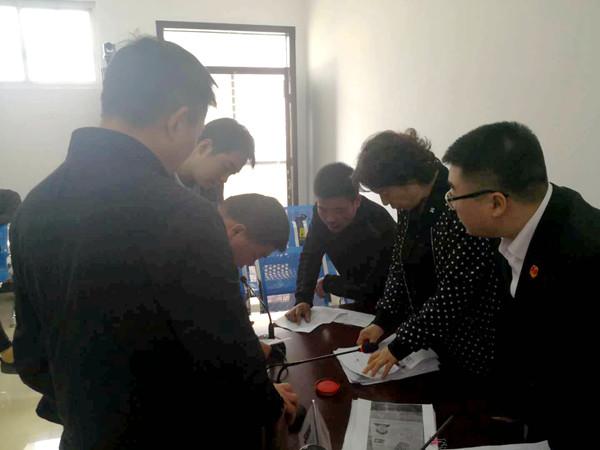 南阳中院速裁团队巡回审判 化解27起涉及农民工案件