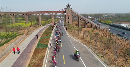 奋勇争先!2019年环中原自行车公开赛在襄县拉开序幕