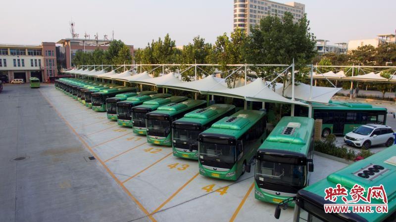 方便假期市民赏花、祭扫 郑州公交增加运力投放班车
